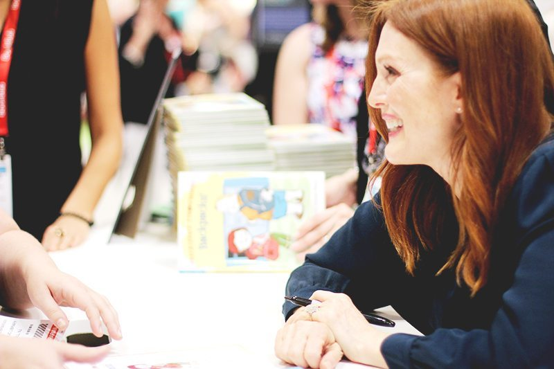 julianne moore at bea signing freckleface strawberry