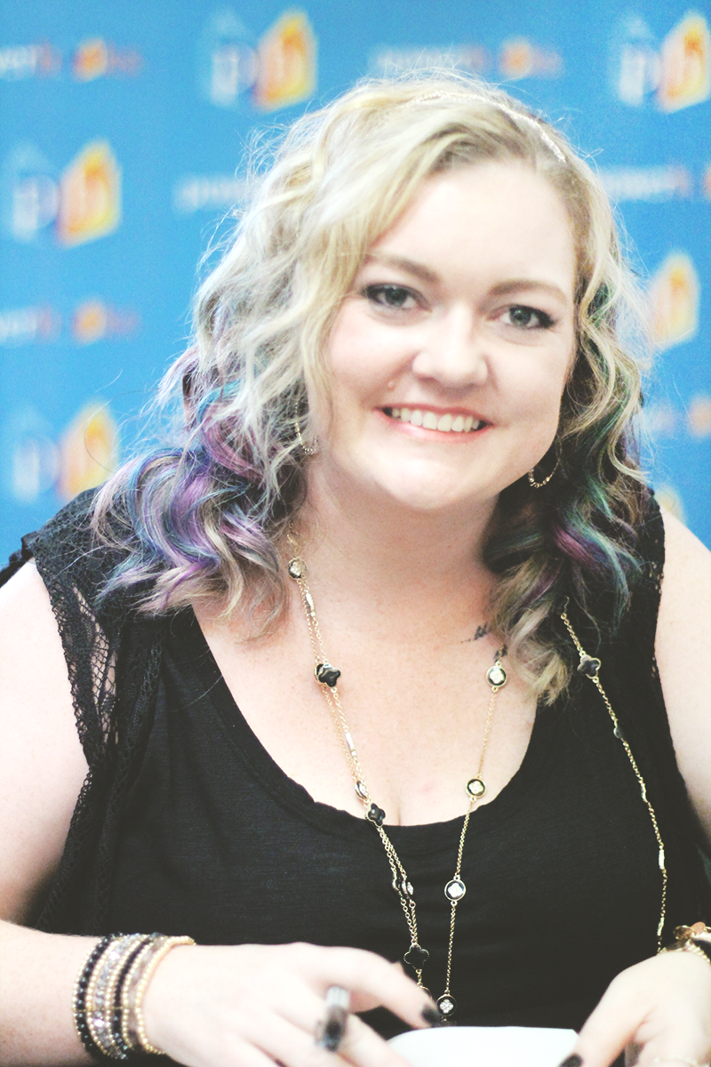colleen hoover in manila