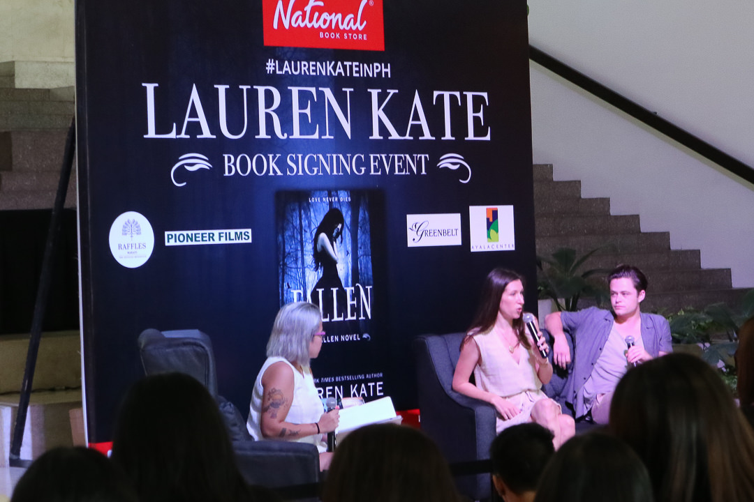 lauren-kate-manila-book-signing-event-ph-2016-with-harrison-gilbertson